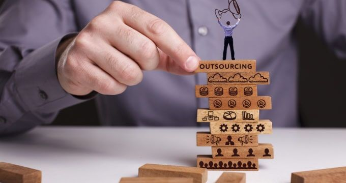 Why Small Businesses Should Outsource App Development